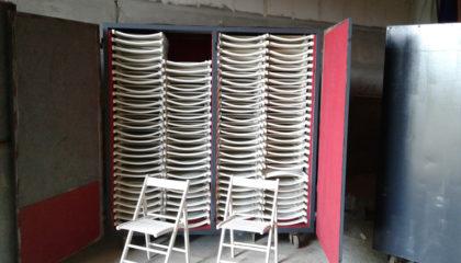 13. Stühle